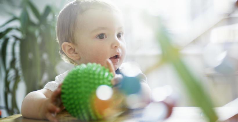 Jakie zabawki kupić dla półrocznego dziecka?