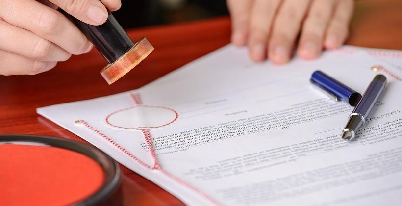 Co zawiera akt notarialny?