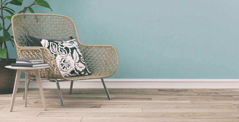 Co wybrać na drewnianą podłogę – parkiet czy litą deskę?