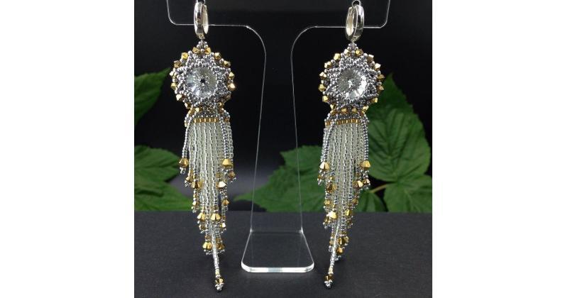 Jak dobrać biżuterię do fasonu sukni ślubnej?