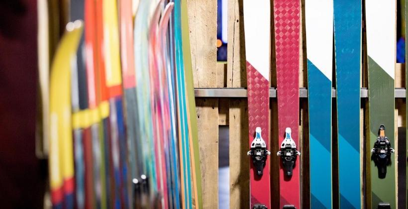 Kompletowanie narciarskiej wyprawki – zakup używanych nart