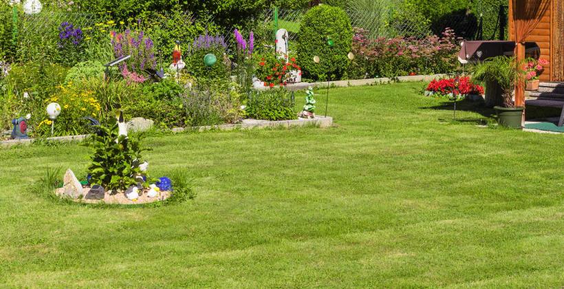 Rzeźby wiatrowe, jako efektowne ozdoby ogrodowe na cały rok