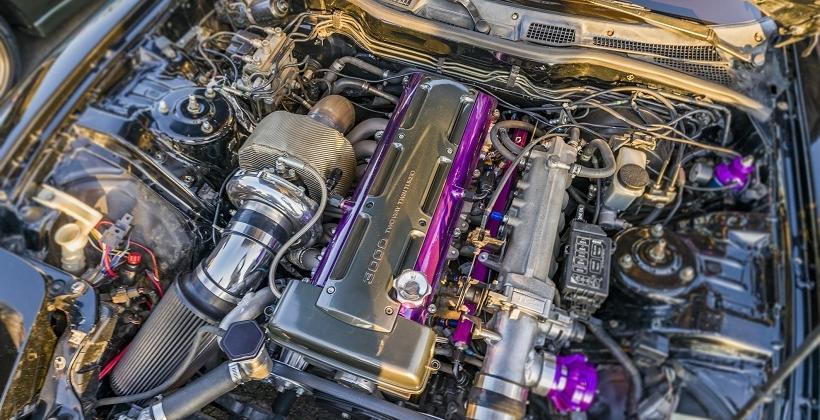 Jaką rolę w konstrukcji samochodu odgrywa turbosprężarka?