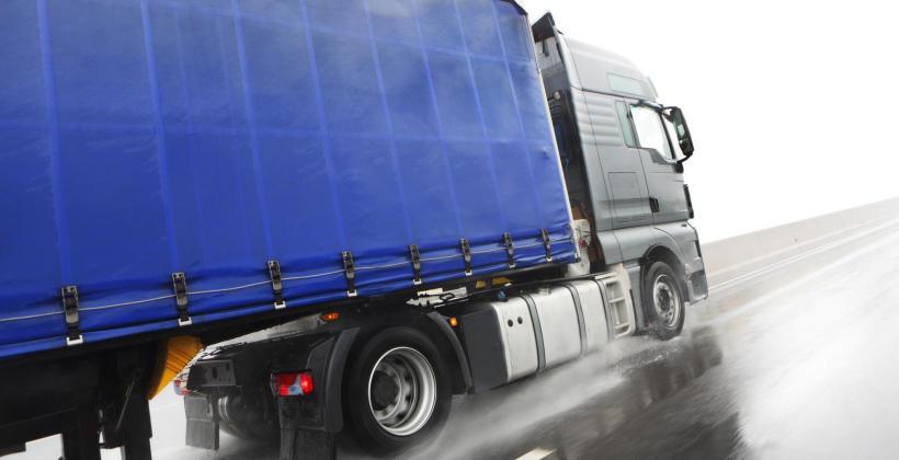 Profesjonalny transport ładunków na różnej długości trasach