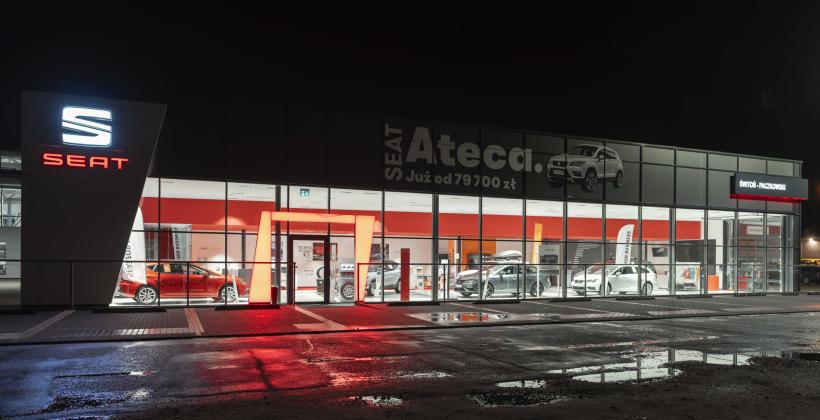 Dlaczego wygląd salonu samochodowego ma duże znaczenie?