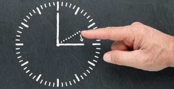 Nie zapomnij o godzinie. Wpływ stref czasowych na zmianę godziny
