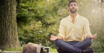 Jak radzić sobie ze stresem w pracy? [PORADNIK]