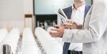 Jak znaleźć dobre miejsce na przeprowadzenie konferencji firmowej?