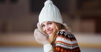 Najpopularniejsze rodzaje kobiecych nakryć głowy na zimę