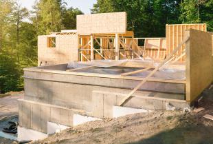 Budowa fundamentów – przebieg prac