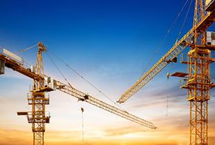 Co warto wiedzieć o nowoczesnych żurawiach wieżowych?