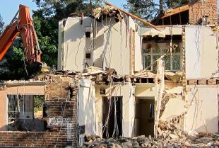 Czy można wyburzyć budynek bez pozwolenia?