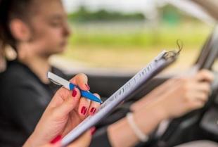Kiedy warto zdecydować się na wykupienie jazd doszkalających?