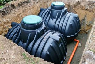 Jak zaoszczędzić dzięki wodzie deszczowej?