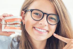 Aparat ortodontyczny dla dziecka – stały czy ruchomy?