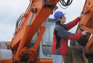 Usterki i naprawa maszyn budowlanych.