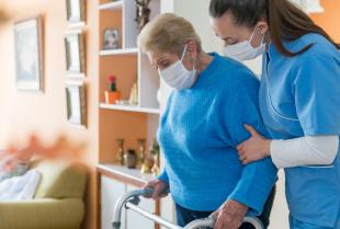 Jak zaopiekować się osobą ciężko chorą lub umierającą?