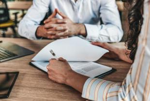 Jak ustalić wysokość wynagrodzenia dla swojego pracownika?