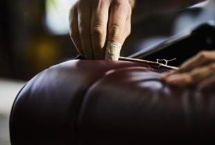 Co wchodzi w zakres usług tapicerskich?