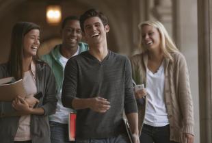 Dlaczego warto studiować na amerykańskich uczelniach?