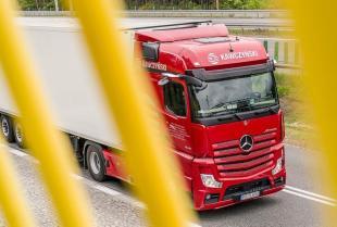 Czym powinna charakteryzować się flota pojazdów w firmie transportowej?