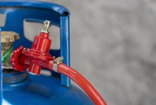 Legalizacja zbiorników LPG i butli CNG w firmie Agrotrak