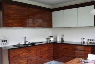 Dlaczego warto zdecydować się na meble kuchenne na wymiar?