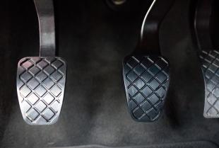 Sprzęgło samochodowe - jak uniknąć napraw i dbać o ten podzespół?