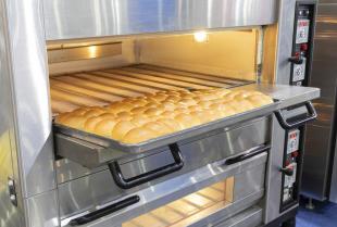 Jak łatwo zachować czystość pieca piekarniczego?