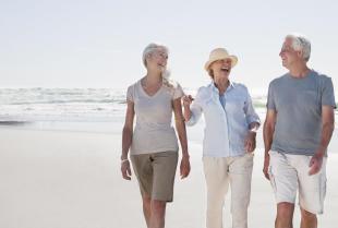 Jak wakacje nad morzem wpływają na zdrowie seniorów?