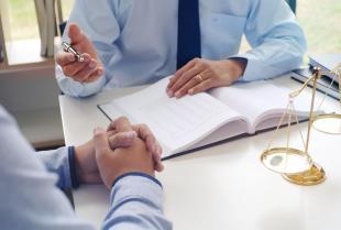 Kiedy warto skorzystać z usług kancelarii radcy prawnego?