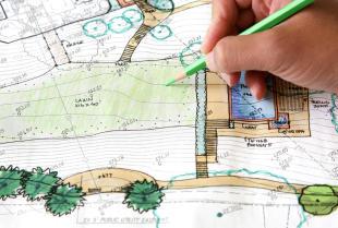 Chcesz zostać technikiem architektury krajobrazu? Sprawdź, jakie możliwości niesie za sobą ten zawód!