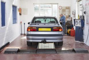 Jak wygląda przegląd techniczny wykonywany w stacji kontroli pojazdów?