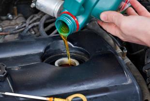 Co warto wiedzieć na temat wymiany płynów w samochodzie?