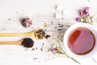 Jakie herbaty można znaleźć w sklepie Saskia?