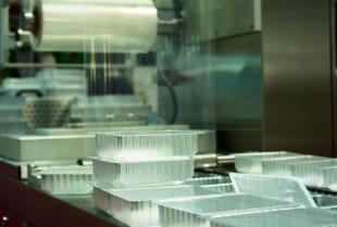 Firma produkująca maszyny pakujące Iaro – co poza tym możemy znaleźć w jej ofercie?