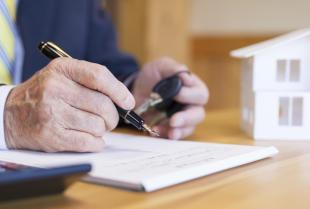Na co zwrócić uwagę podczas sprzedaży mieszkania z kredytem?
