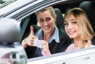 Jak wygląda proces uzyskiwania prawa jazdy?