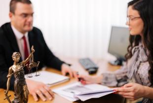 Na czym polega obsługa prawna firm?