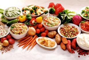 Usługi cateringowe – kiedy warto z nich skorzystać?