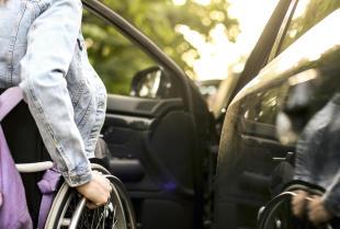 Transport osób z trudnościami w poruszaniu się – oferta firmy Wlatrans