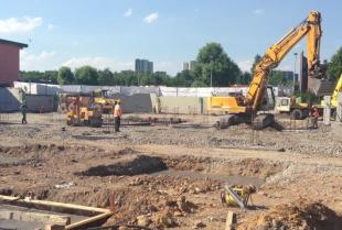 Utwardzanie terenu pod realizację inwestycji budowlanych