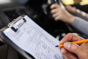 Prawo jazdy kategorii B – wszystko, co musisz wiedzieć