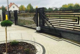 Wyjątkowy wygląd ogrodzeń i balustrad dzięki elementom kutym
