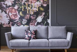 Malowanie ścian lub kładzenie tapety – co trzeba wybierać?