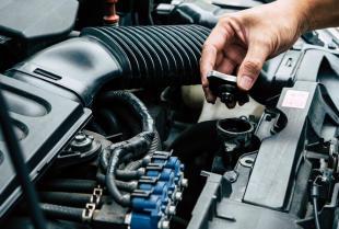 Jakie części i płyny należy regularnie wymieniać w samochodzie?