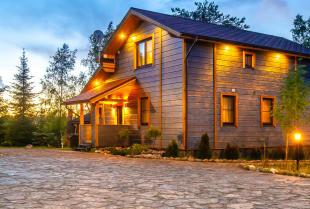 Domy kanadyjskie budowane w Polsce – czy warto postawić na tę technologię?