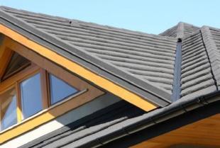 Konstrukcja szczelnego i wytrzymałego dachu – krótki poradnik