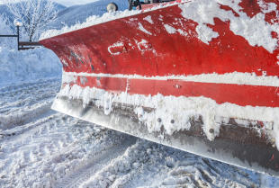 Lemiesze pługów śnieżnych – czym wyróżniają się poszczególne modele?