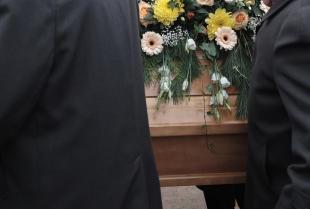 Pogrzeb świecki czy kościelny